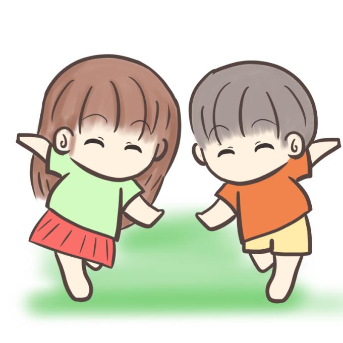 裸足で走る男の子と女の子のイラスト